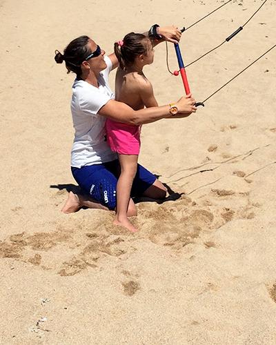 attività kite surf per bambini